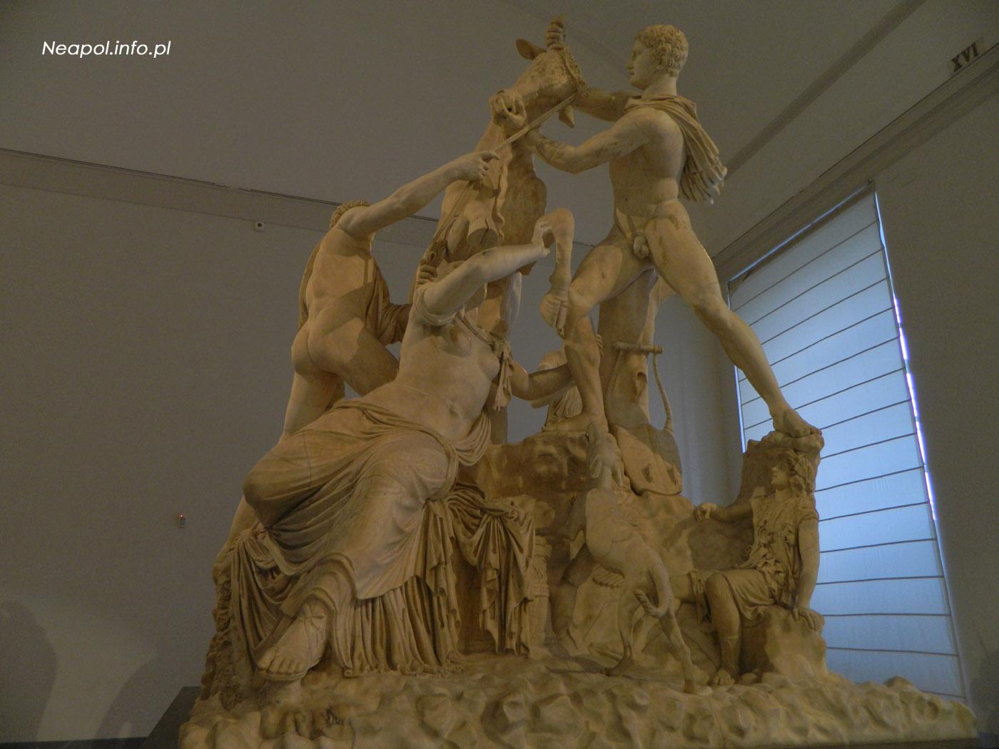 Byk Farnezyjski - Muzeum Archeologiczne w Neapolu