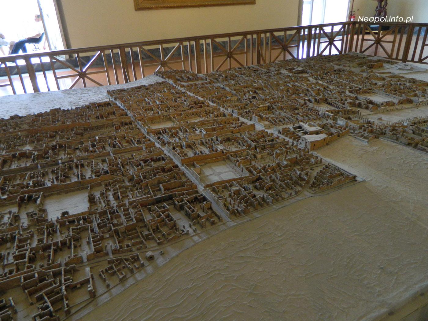 Muzeum Archeologiczne w Neapolu - makieta Pompei